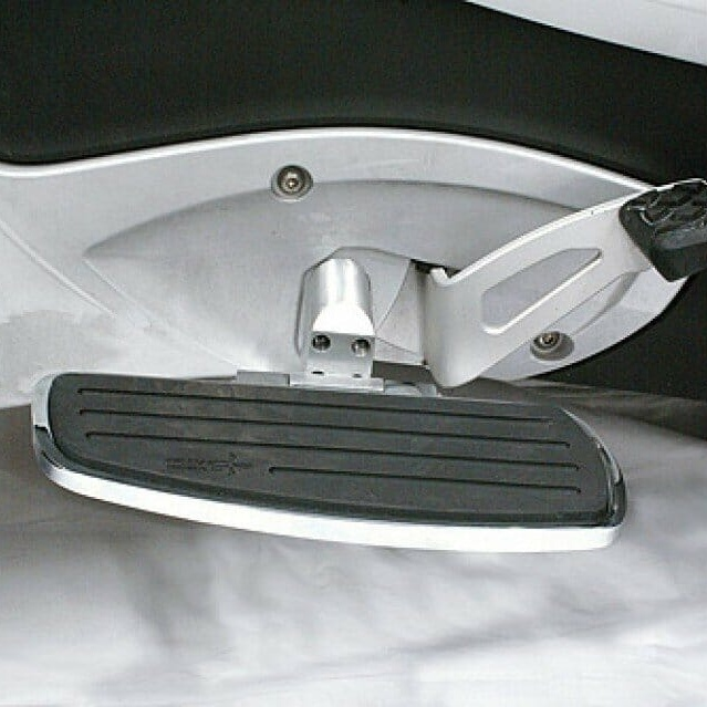 Driver floorboard set for 2010 and newer RT Spyders